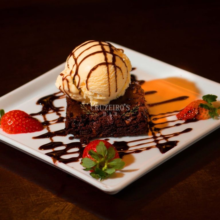 Sobremesa-Brownie-Sorvete-Cruzeiro's-Bar