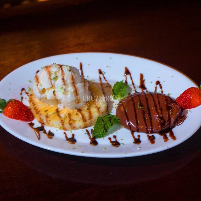 Sobremesa-Dona-Lurdes-Cruzeiro's-Bar